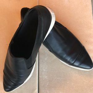 Vince Black Pointed Toe leather slip on